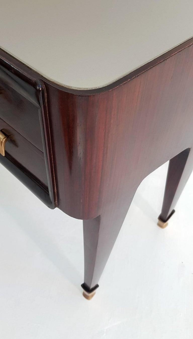 Mid-20th Century Pair of Italian Midcentury Nightstands in Mahogany and Brass For Sale