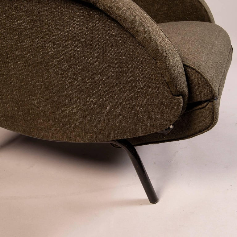 Pair of Italian Midcentury Reclining Chairs in the Manner of Marco Zanuso For Sale 2