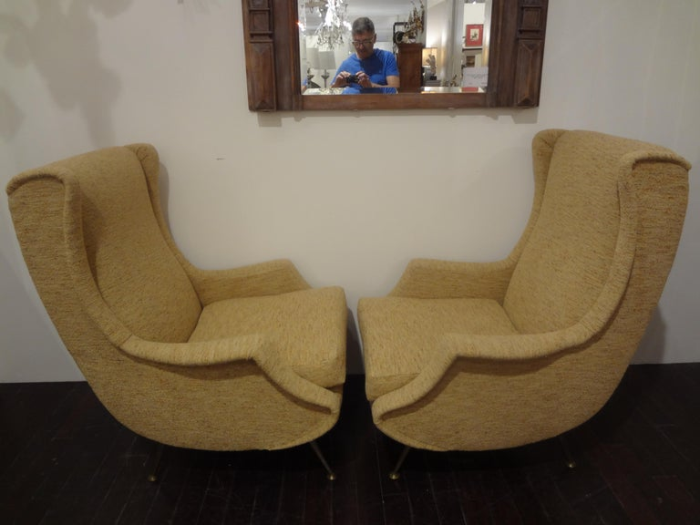 Pair of Italian Midcentury Lounge Chairs Inspired by Minotti For Sale 2