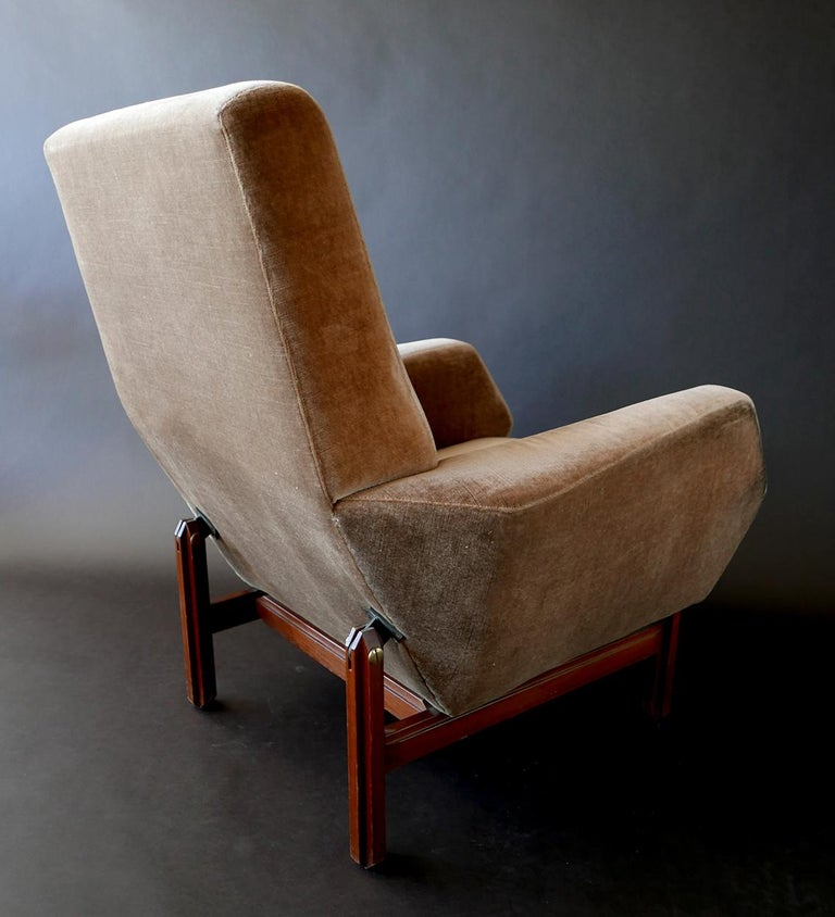 Mid-Century Modern Pair of Italian Modern Prototype Chairs, 1960s, Gianfranco Frattini For Sale