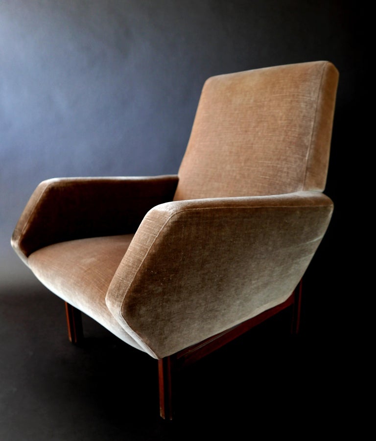 Mid-20th Century Pair of Italian Modern Prototype Chairs, 1960s, Gianfranco Frattini For Sale
