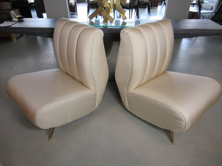 Upholstery Pair of Italian Modern Slipper Chairs, Isa, Attributed to Gio Ponti For Sale