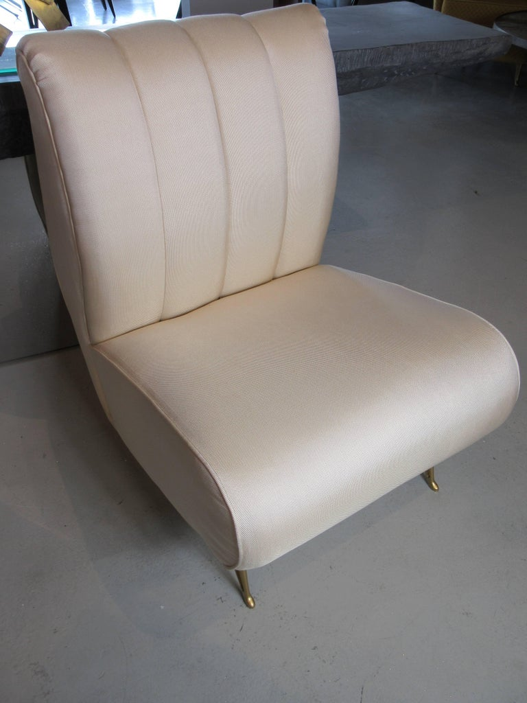 Pair of Italian Modern Slipper Chairs, Isa, Attributed to Gio Ponti For Sale 3