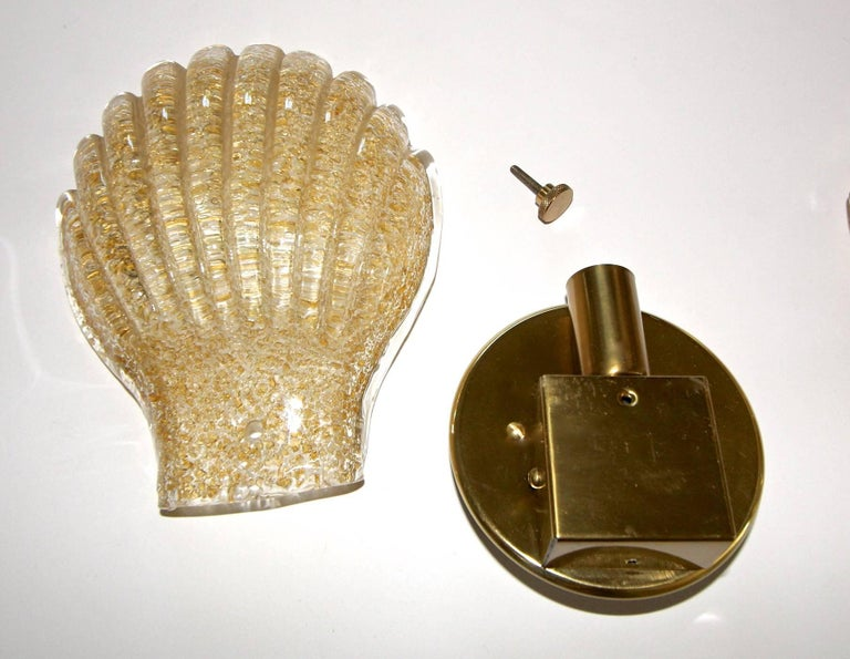 Pair of Italian Murano Glass Clam Shaped Wall Sconces For Sale 6