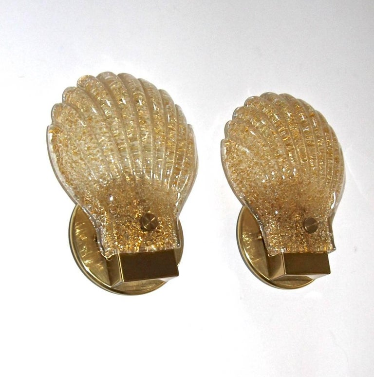 Pair of Italian Murano Glass Clam Shaped Wall Sconces For Sale 2