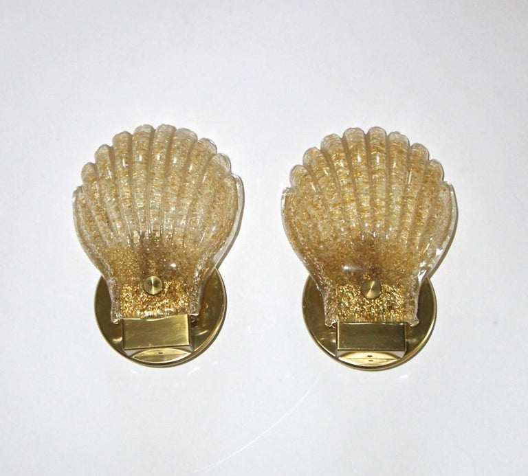 Pair of Italian Murano Glass Clam Shaped Wall Sconces For Sale 3