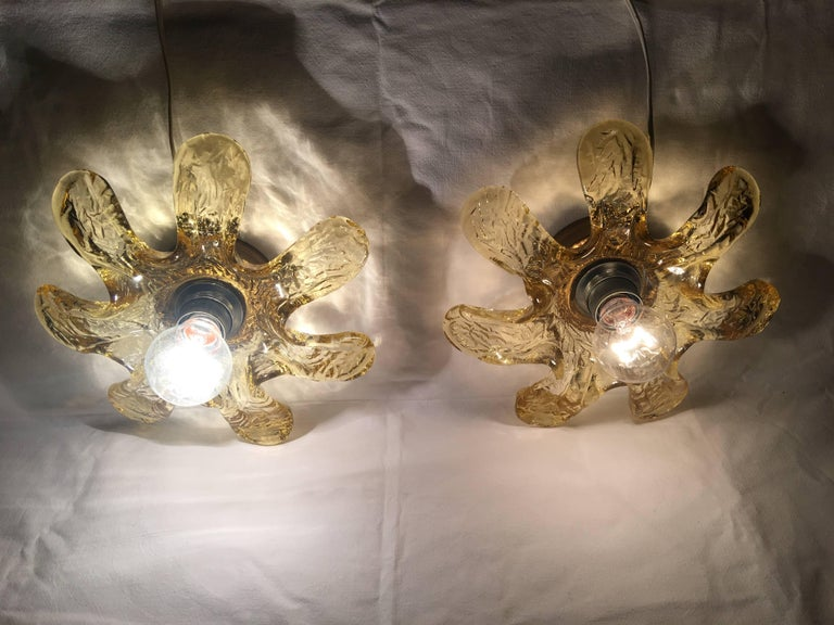 Mid-20th Century Pair of Italian Murano Glass Flower Sconces by Mazzega For Sale