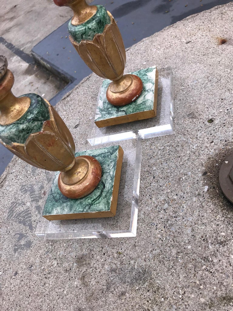 Pair of Italian Neoclassical Faux Marble and Giltwood Candlesticks For Sale 10