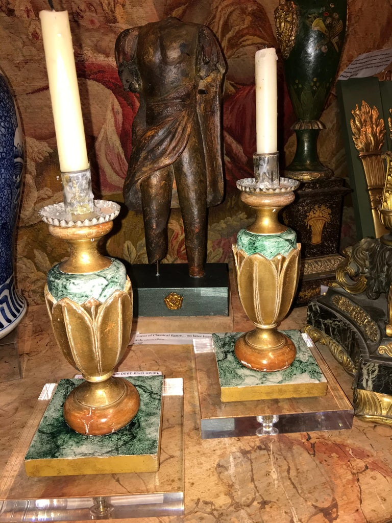 Pair of Italian Neoclassical Faux Marble and Giltwood Candlesticks For Sale 2