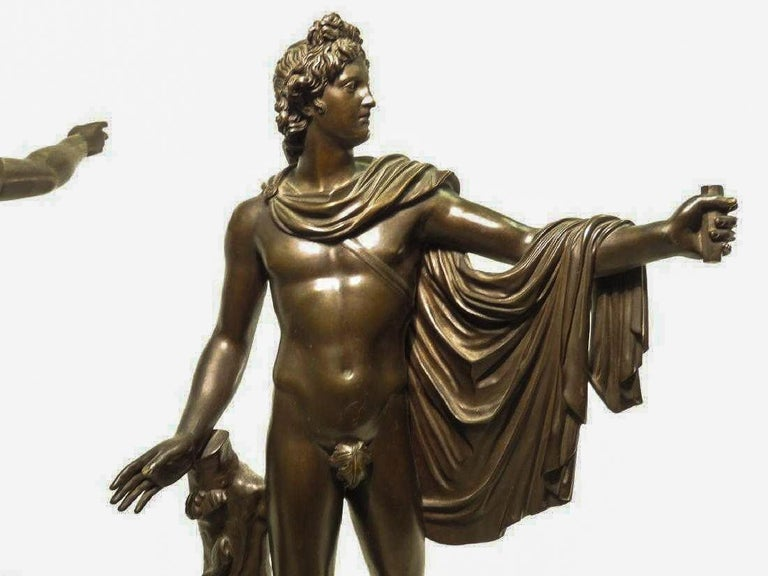 Pair of Italian Neoclassical Grand Tour Bronze Figures on Marble Bases In Good Condition For Sale In New York, NY