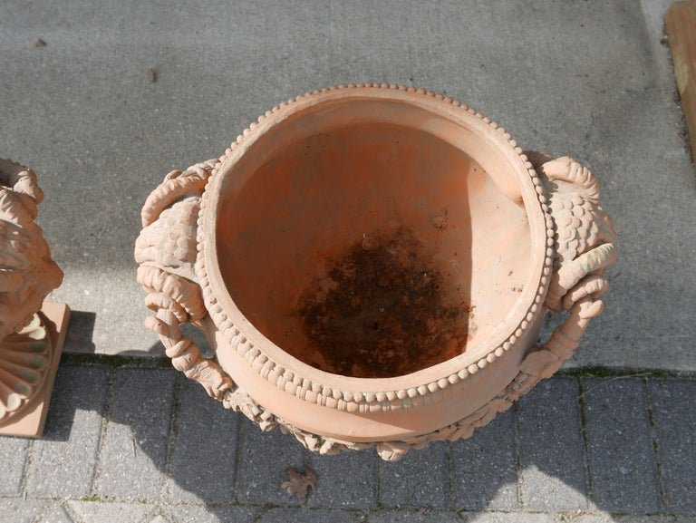 Pair of Italian Neoclassical Style Terracotta Planters In Good Condition For Sale In Kilmarnock, VA