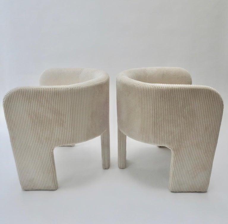 Mid-Century Modern Pair of Italian Off-White Velvet Corduroy Armchairs, 1970s For Sale