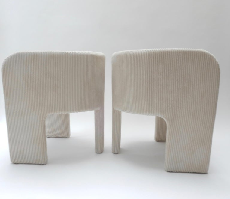 Pair of Italian Off-White Velvet Corduroy Armchairs, 1970s For Sale 1