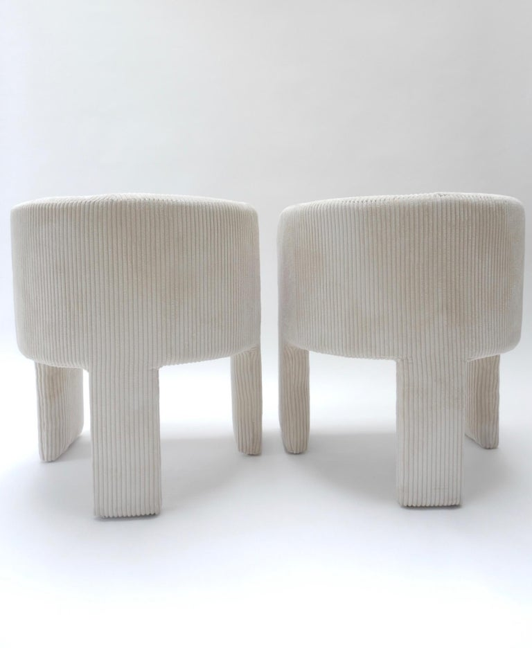 Pair of Italian Off-White Velvet Corduroy Armchairs, 1970s For Sale 2