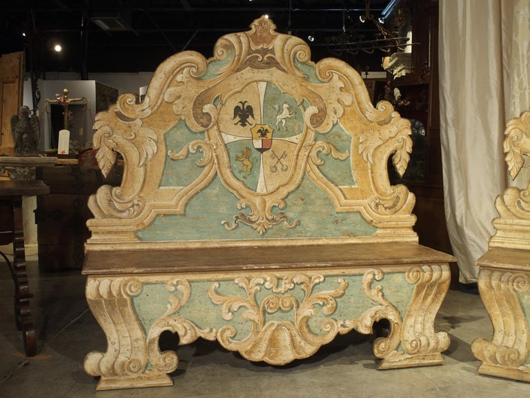 Pair of Italian Painted Armorial Cassapanca In Good Condition For Sale In Dallas, TX