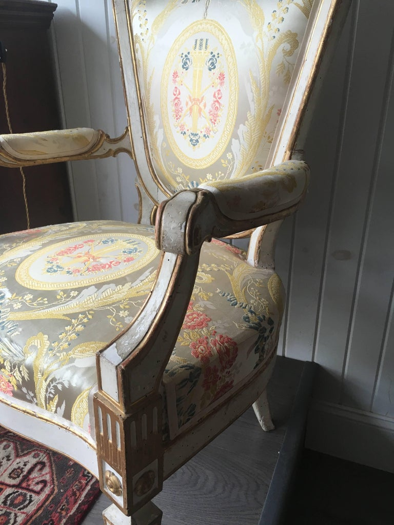 18th Century and Earlier Pair of Italian Painted Fauteuils Florence, 18th Century For Sale