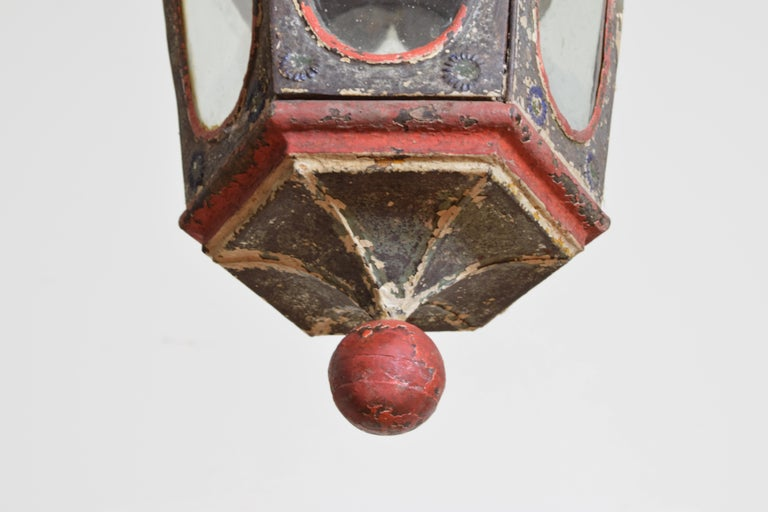 Pair of Italian Painted Tole Hexagonal 1-Light Lanterns, 19th Century For Sale 7