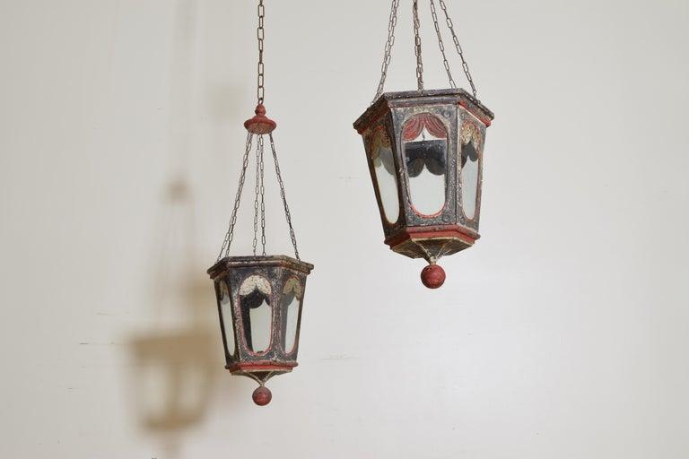 Pair of Italian Painted Tole Hexagonal 1-Light Lanterns, 19th Century In Good Condition For Sale In Atlanta, GA