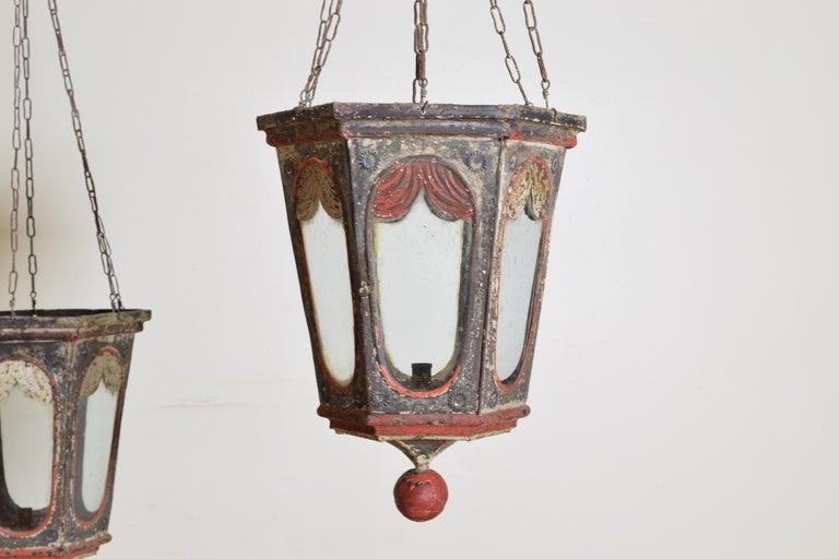 Late 19th Century Pair of Italian Painted Tole Hexagonal 1-Light Lanterns, 19th Century For Sale