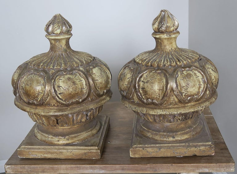 Hand-Painted Pair of Italian Painted Wood Carved Finials with Flames For Sale