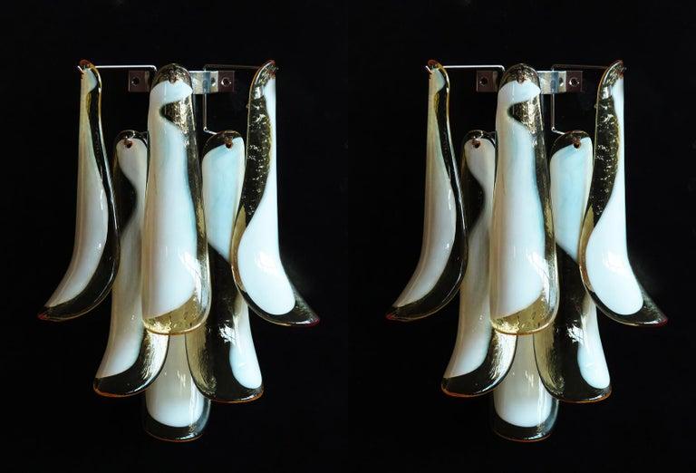 Pair of Italian Petal Murano sconces, Mazzega Style 1