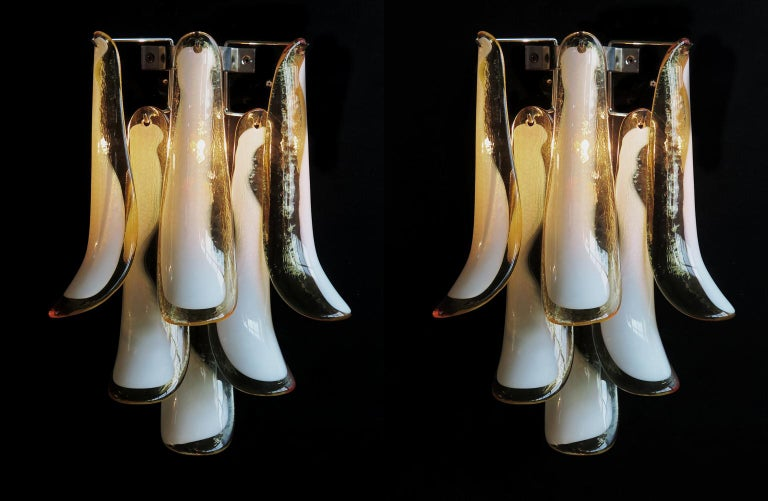 Pair of Italian Petal Murano sconces, Mazzega Style 2