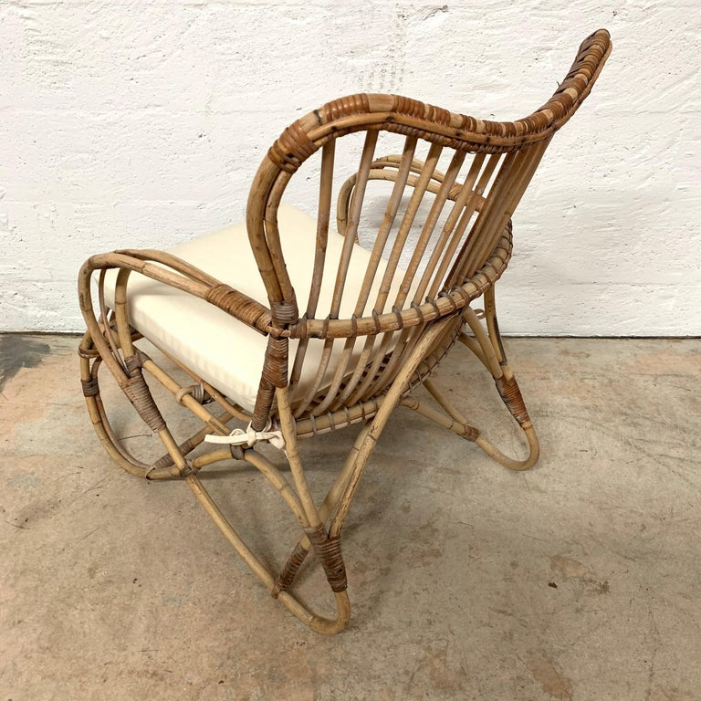 Pair of Italian Rattan and Wicker Chairs by Bonacina For Sale 6