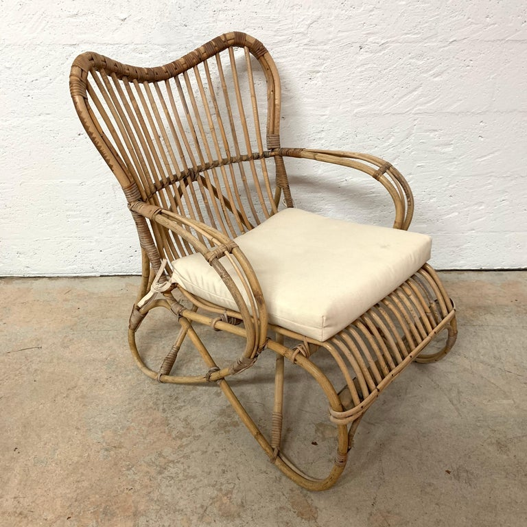 Pair of Italian Rattan and Wicker Chairs by Bonacina For Sale 8