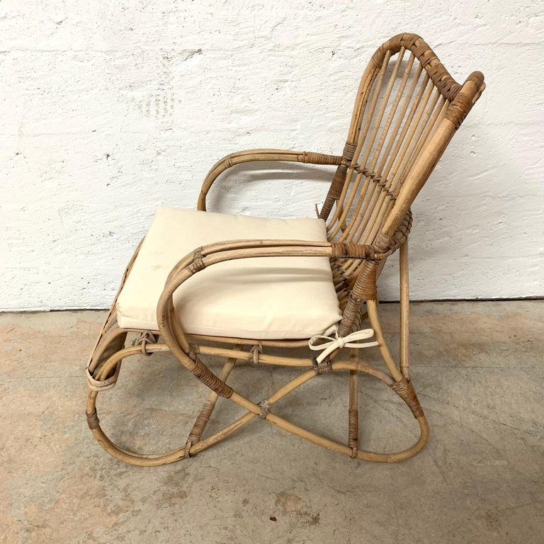 Pair of Italian Rattan and Wicker Chairs by Bonacina For Sale 10