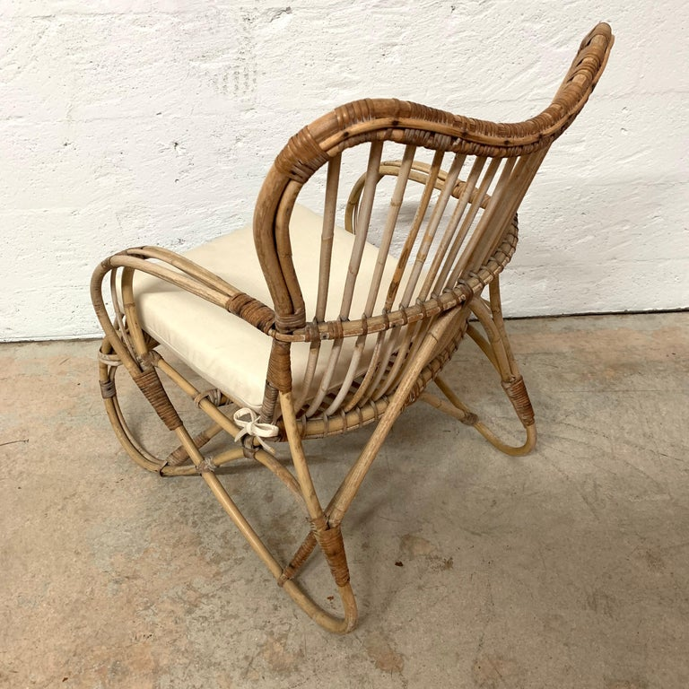 Pair of Italian Rattan and Wicker Chairs by Bonacina For Sale 13