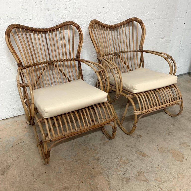 Mid-Century Modern Pair of Italian Rattan and Wicker Chairs by Bonacina For Sale