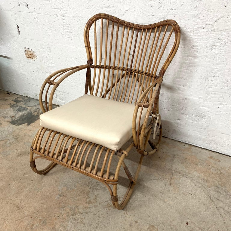 Pair of Italian Rattan and Wicker Chairs by Bonacina In Good Condition For Sale In Miami, FL