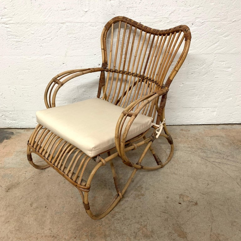 Pair of Italian Rattan and Wicker Chairs by Bonacina For Sale 3