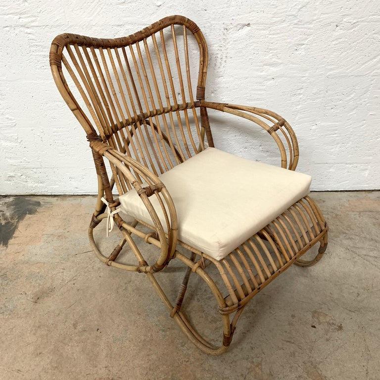 Pair of Italian Rattan and Wicker Chairs by Bonacina For Sale 4