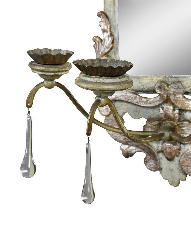 Pair of Italian Rococo Gray Painted and Silver Gilt Mirrored Wall Lights For Sale 1