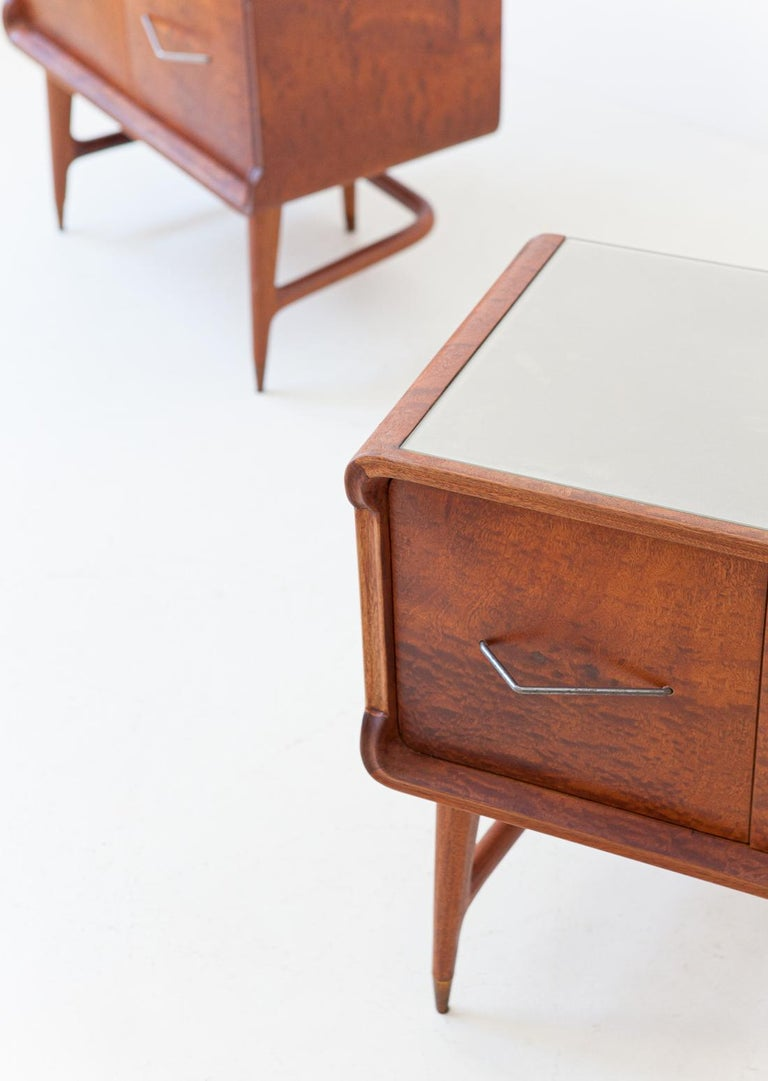Pair of Italian Sculptural Mahogany Bedside Tables, 1950s For Sale 2