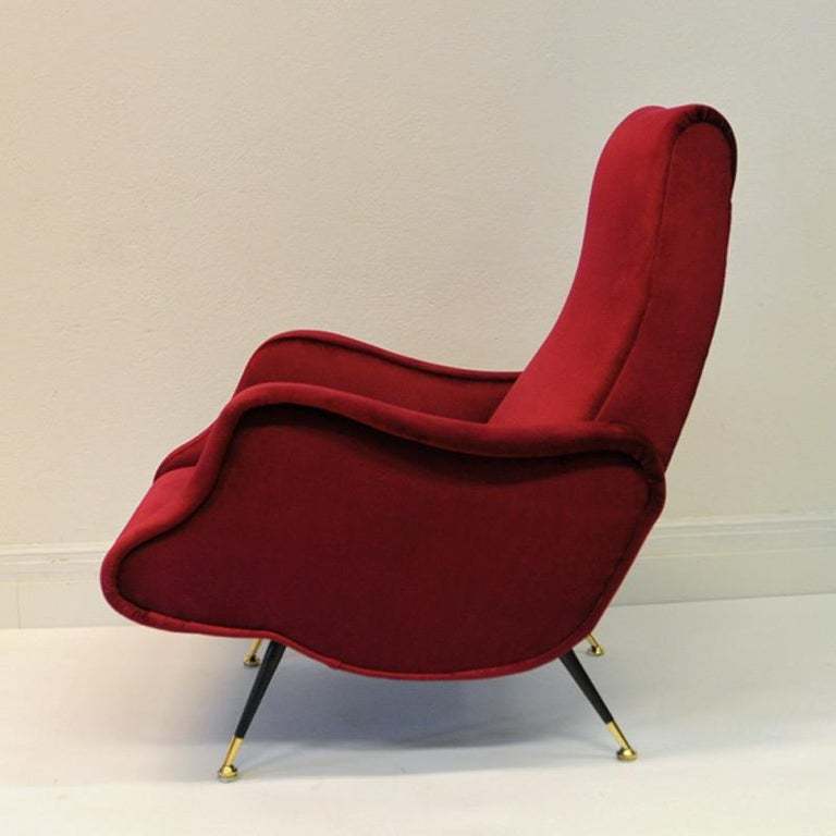 Mid-Century Modern Pair of Italian Sculptural Red Velvet Chairs, 1960s For Sale