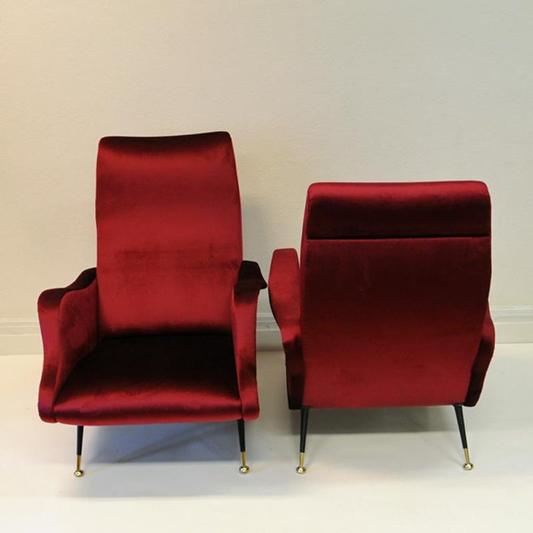 Pair of Italian Sculptural Red Velvet Chairs, 1960s In Good Condition For Sale In Stockholm, SE