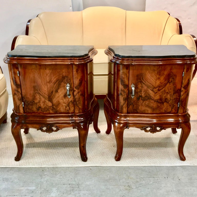 Rococo Revival Pair of Italian Serpentine Nightstands with Marble Tops For Sale