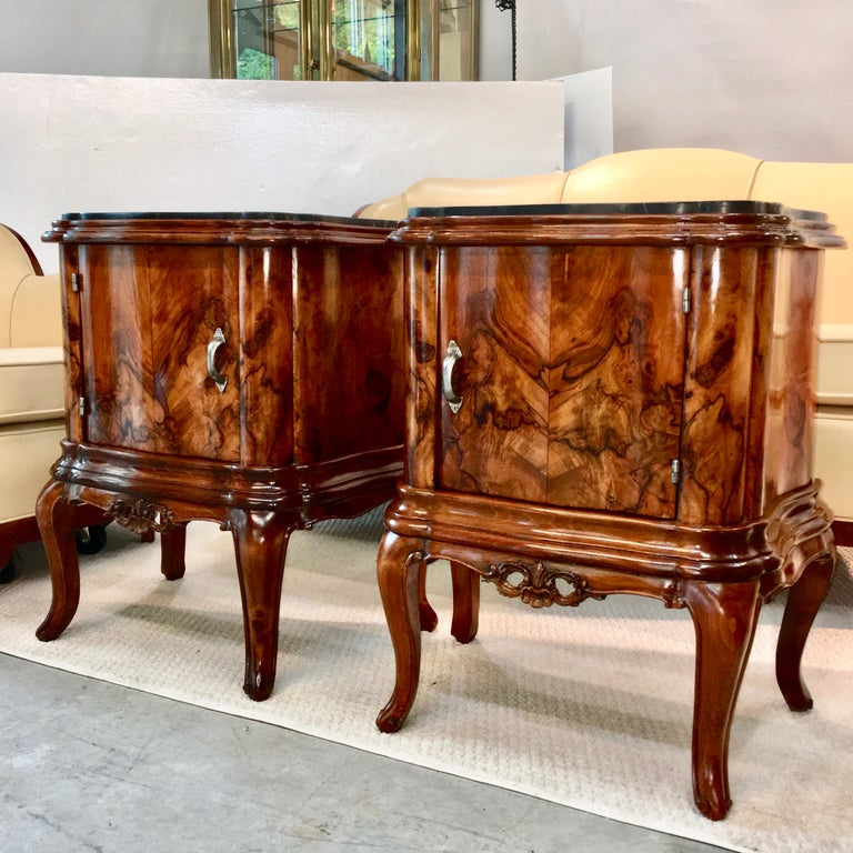Pair of Italian Serpentine Nightstands with Marble Tops For Sale 2