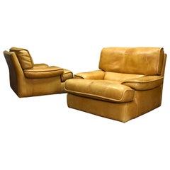 Pair of Italian Tan Leather Club Lounge Armchairs, circa 1970