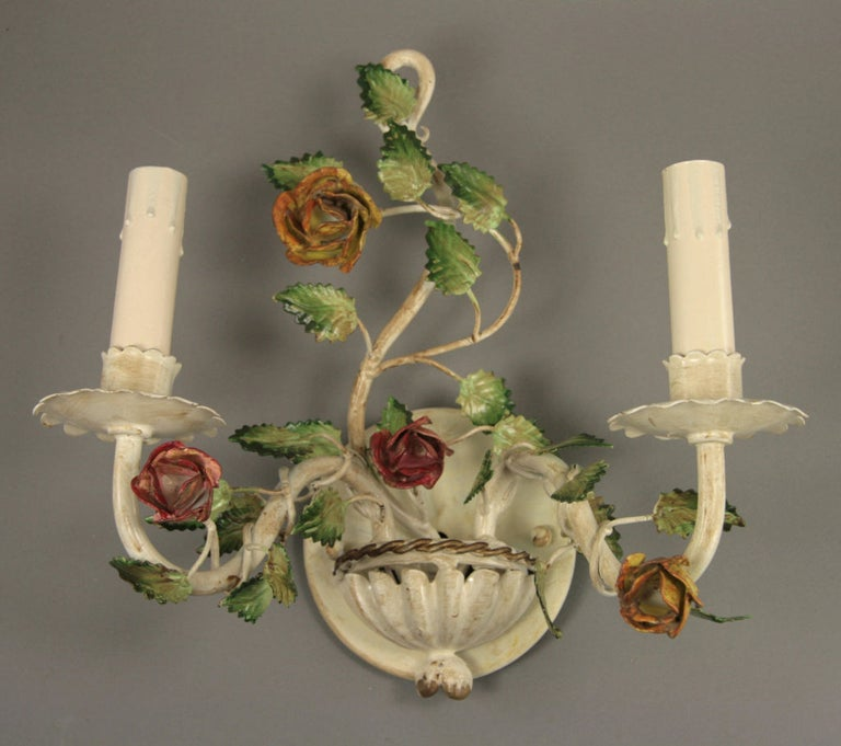 Pair of Italian Tole Roses Double Arm Sconces In Good Condition For Sale In Douglas Manor, NY