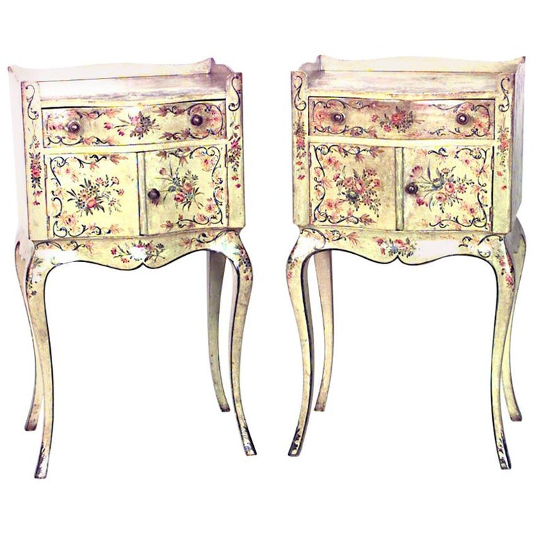 Pair of Italian Venetian Style Bedside Tables For Sale