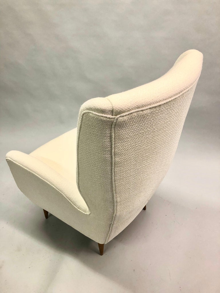 Pair of Italian Wingback Lounge Chairs / Armchairs by Gio Ponti, Model 512 For Sale 8