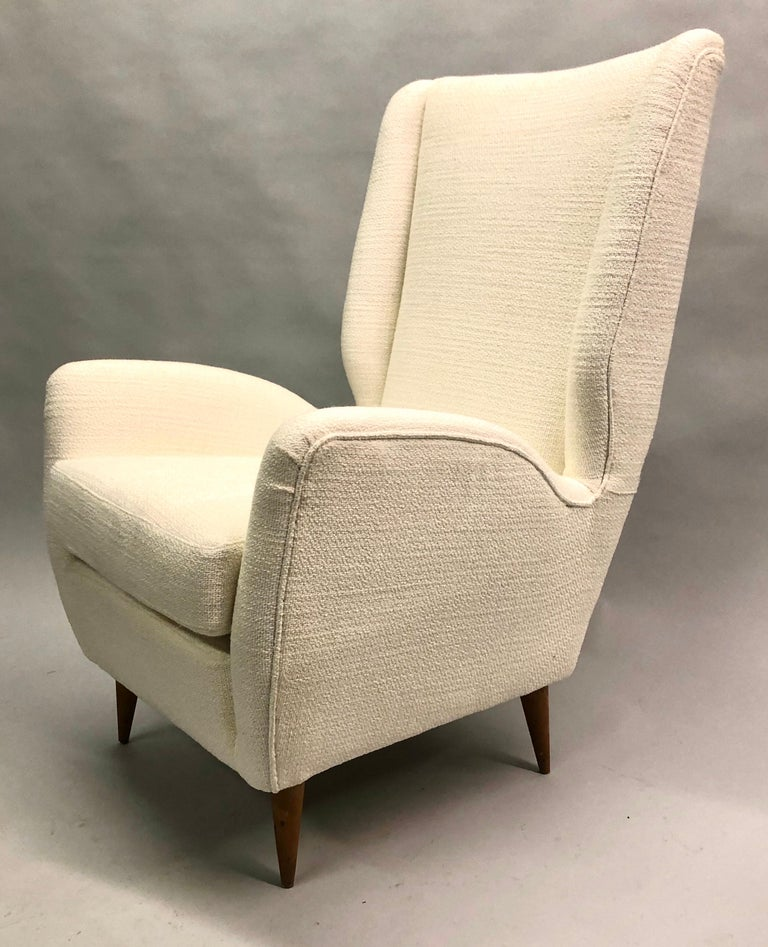 Pair of Italian Wingback Lounge Chairs / Armchairs by Gio Ponti, Model 512 For Sale 9