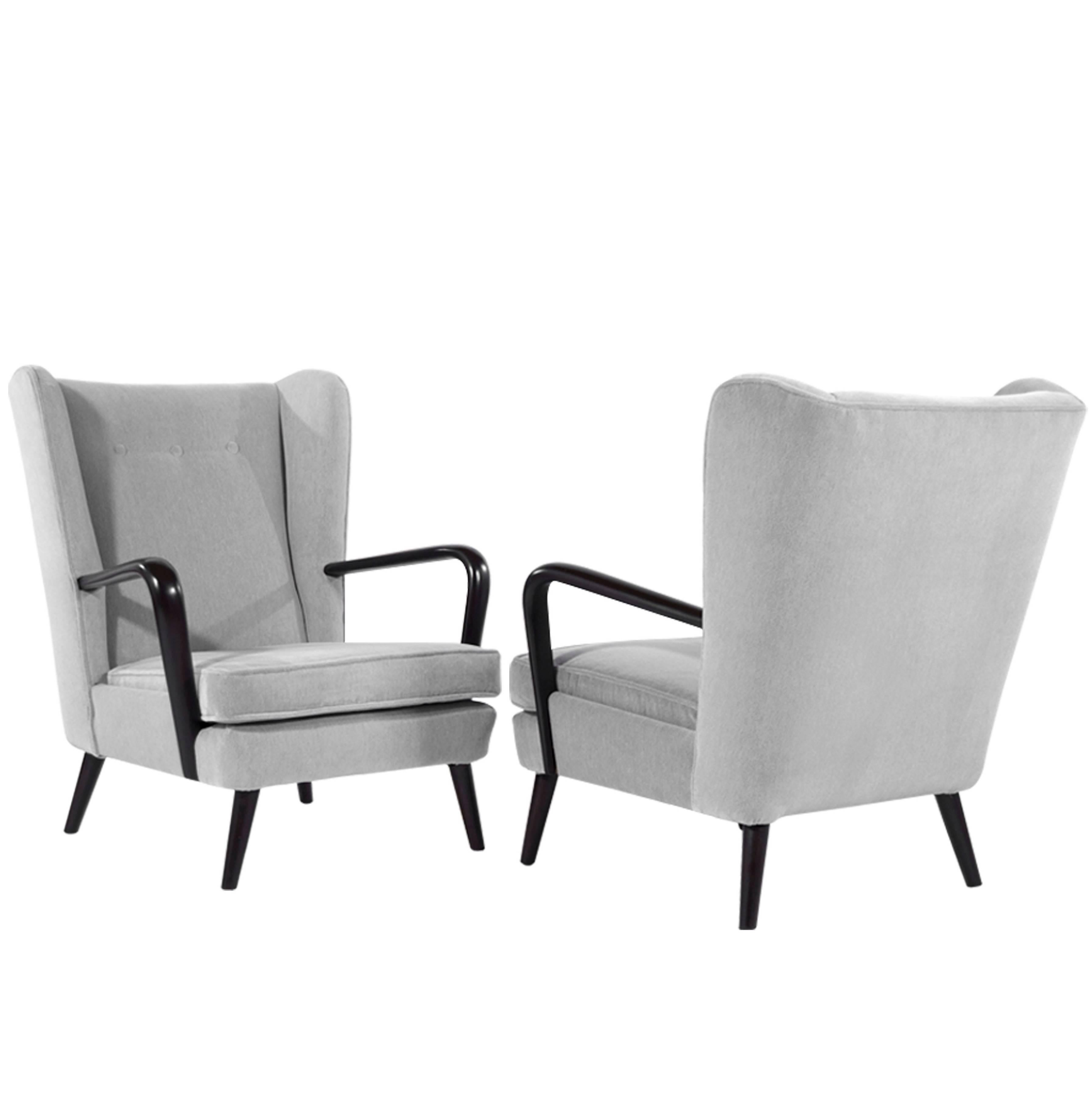Ordinaire Pair Of Italian Wingback Chairs In The Style Of Gio Ponti For Sale