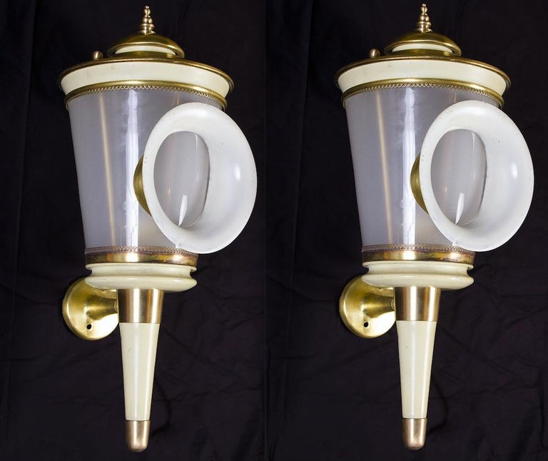 Pair of Ivory Painted and Brass Sconces or Wall Lights Carlo Scarpa Style, 1940 For Sale 5