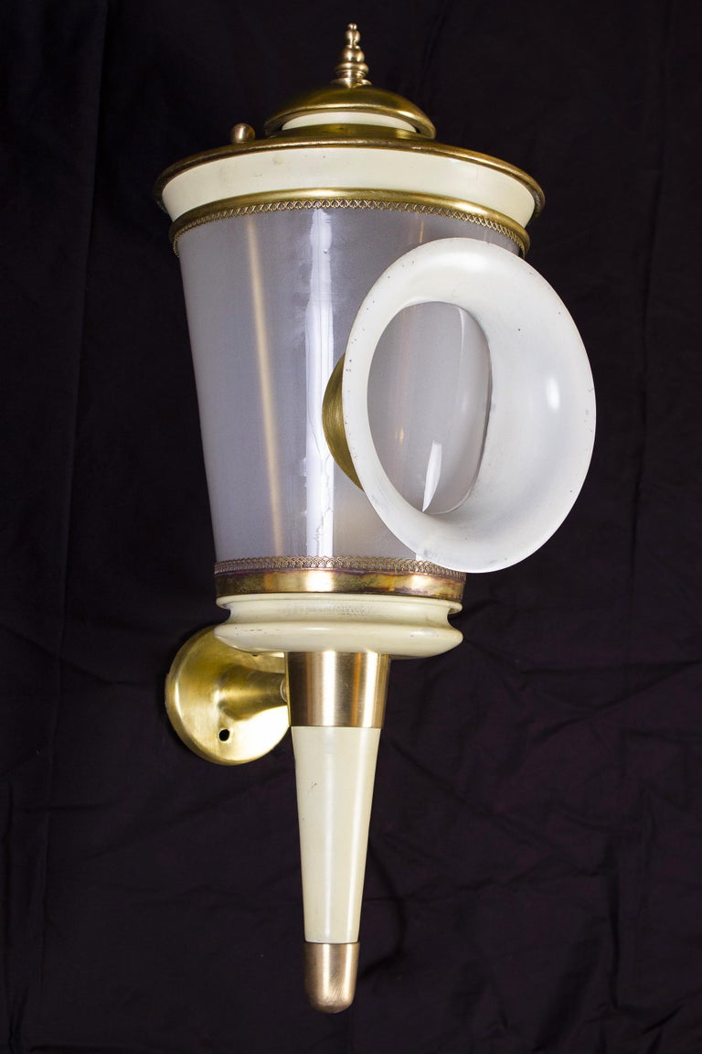 Pair of Ivory Painted and Brass Sconces or Wall Lights Carlo Scarpa Style, 1940 For Sale 2