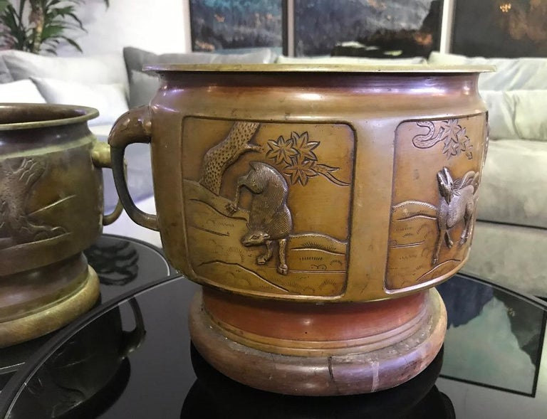 Pair of Japanese Bronze Planters with Animal Deer Crane Forest Decoration Motif In Good Condition For Sale In Studio City, CA