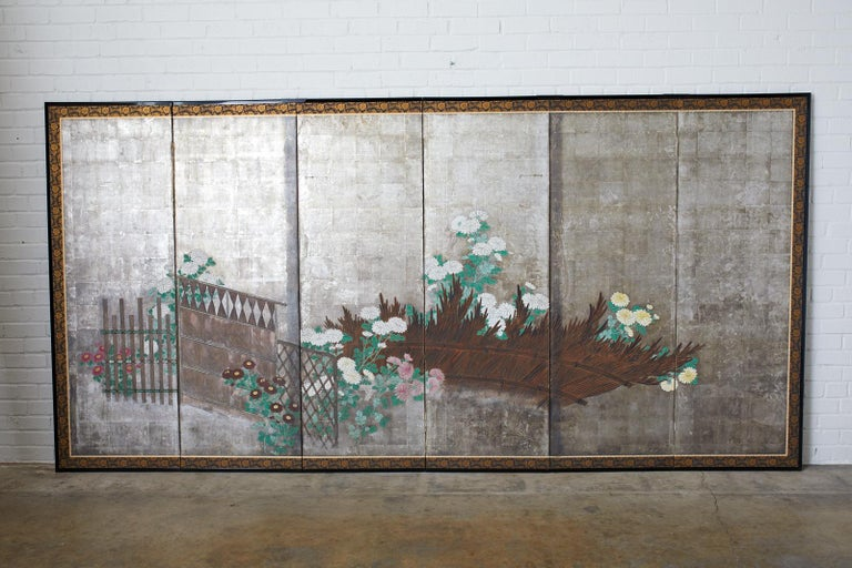 Pair of Japanese Edo Screens Chrysanthemums Along Fence For Sale 6